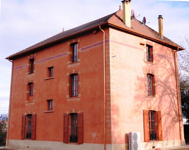 Façade restaurée à l'identique à Saint-André-le-Gaz, labellisée par la fondation du patrimoine